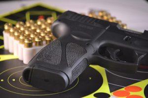 Pistola a CO2 e respetivas munições